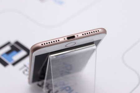 Смартфон Б/У Apple iPhone 8 Plus 64GB Gold