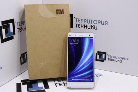 Смартфон Б/У Xiaomi Mi 4 16GB White