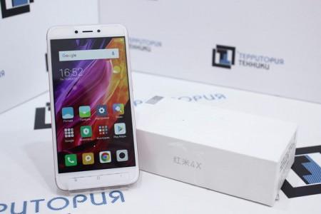 Смартфон Б/У Xiaomi Redmi 4X 32GB Pink