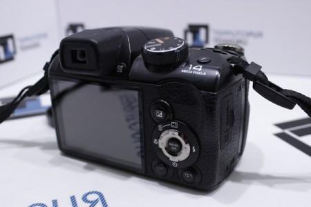 Фотоаппарат Б/У цифровой Fujifilm FinePix S4200