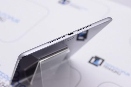 Планшет Б/У Apple iPad mini 32GB Wi-Fi Space Gray (4 поколение) MDM