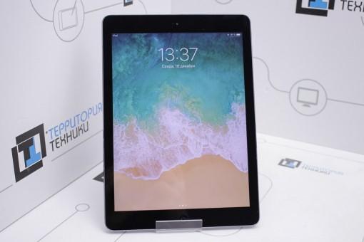 Apple iPad Air 16GB Space Gray (1 поколение)