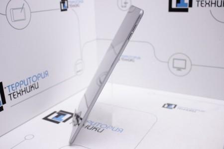 Планшет Б/У Apple iPad Air 16GB Wi-Fi Space Gray (2 поколение)