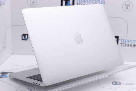 Ноутбук Б/У Apple MacBook Pro 13 Touch Bar (2016)