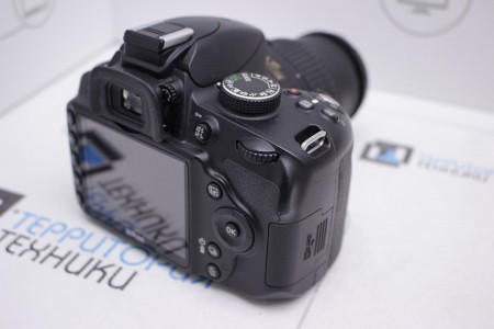 Фотоаппарат Б/У зеркальный Nikon D3200 Kit 18-55mm VR II