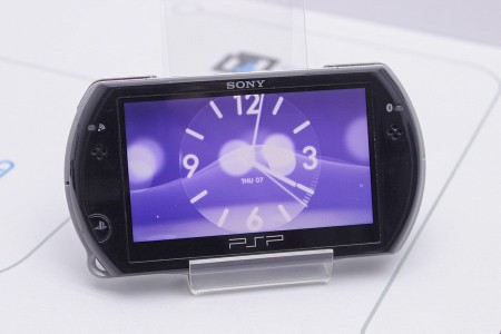 Приставка Б/У Sony PlayStation Portable Go