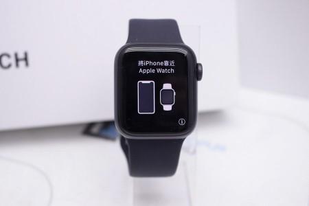 Смарт-часы Б/У Apple Watch SE 40mm